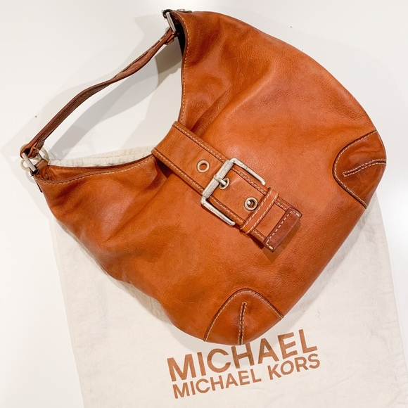 Michael Kors Handbags - Michael Kors Leather Hobo Bag Camel